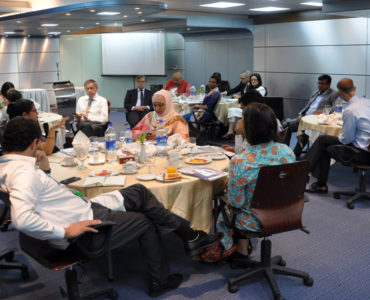 briefing-the-international-development-partners-about-the-platform-1094x600